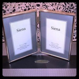 Siena Silverplated/Hand-polished/No Tarnish Frame